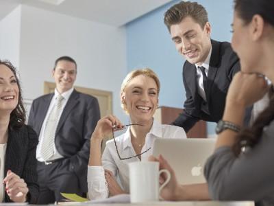 <働き方の多様化>週休3日制の動向と企業の導入事例