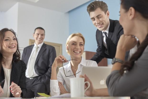 優秀な人材の採用へ ~空前の売り手市場!コネ入社で人材獲得競争を勝ち抜く~