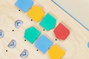 プログラミングが学べる知育玩具「Cubetto」6