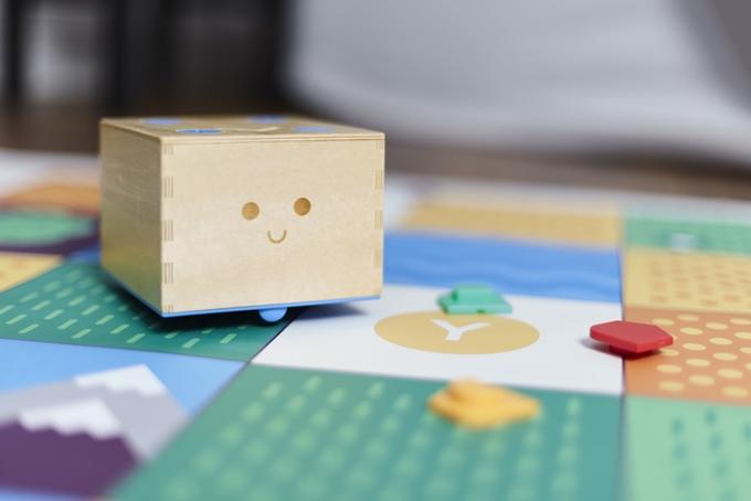 プログラミングが学べる知育玩具「Cubetto」4